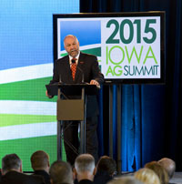 Leath at speaks at summit